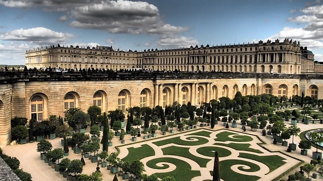 Best day trips around Paris versailles-880359_640